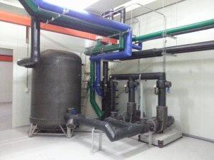 製程系統 - 例如CDA空壓系統、PCW製程冷卻、製程排氣、純水系統、特殊氣體及廢棄處理系統等,都是廠房裡常見的設施。柏原工程專門建置製程系統,客戶包含電子廠房、生技廠房、食品加工廠、化工廠、實驗室等。